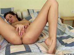 kinky brunette touching her volvochka